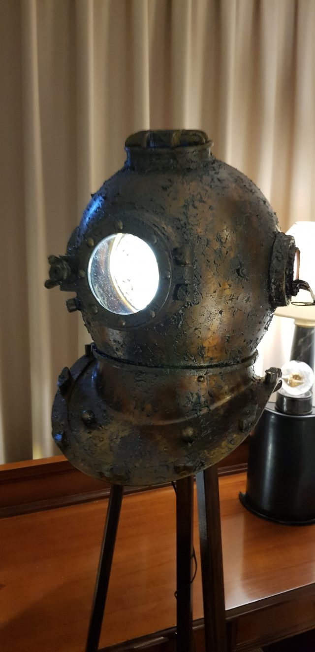 upcycled-divingmask-light