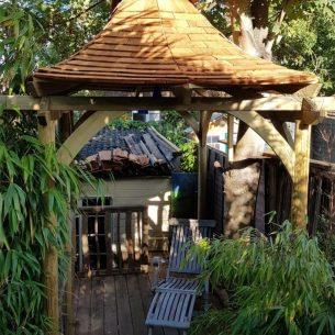 curved pagoda