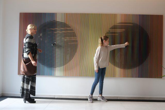 hire an Installation Artist